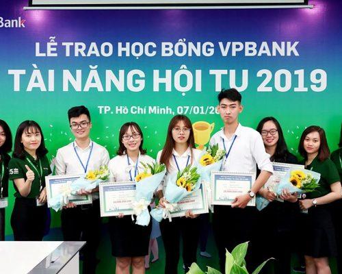 Sinh viên Kinh tế – Luật nhận Học bổng VPBank – Tài năng Hội tụ 2019