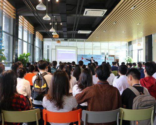 """Tổng kết sự kiện Tuyển dụng Techcombank năm 2020: """"Techcom's Future Gen – Unleash Your Potentials"""" ngày 23/10/2020 tại UEL"""